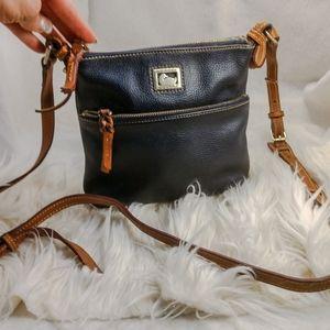 Authentic navy Dooney & Bourke purse crossbody